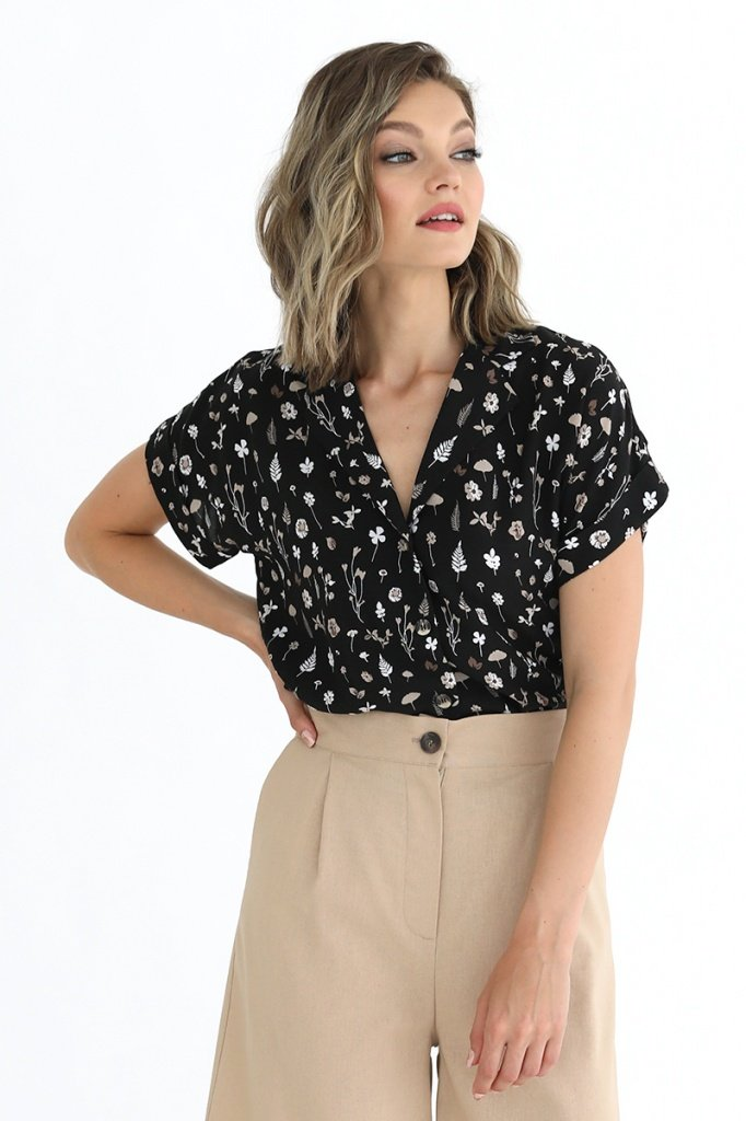 Блузка с отложным воротником и лацканами, 02.037.01.374